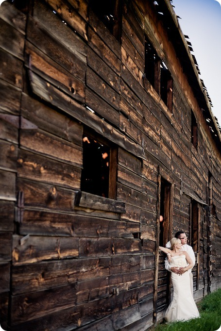 vintage-summerhill-schoolhouse-wedding-Kelowna_68_by-Kevin-Trowbridge