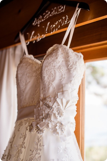 Kaleaden-rustic-elegant-wedding_Ponderosa-Point_Skaha-lake06_by-Kevin-Trowbridge