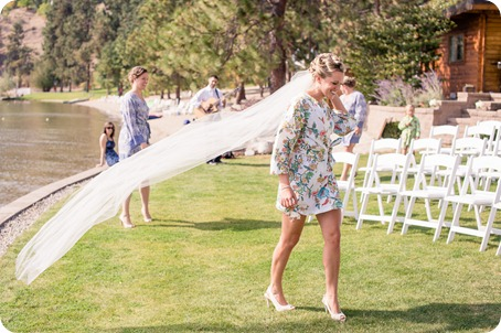 Kaleaden-rustic-elegant-wedding_Ponderosa-Point_Skaha-lake12_by-Kevin-Trowbridge