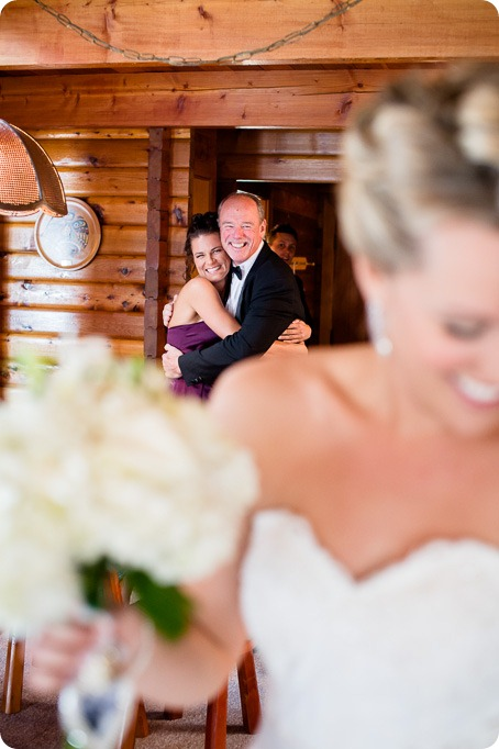 Kaleaden-rustic-elegant-wedding_Ponderosa-Point_Skaha-lake37_by-Kevin-Trowbridge