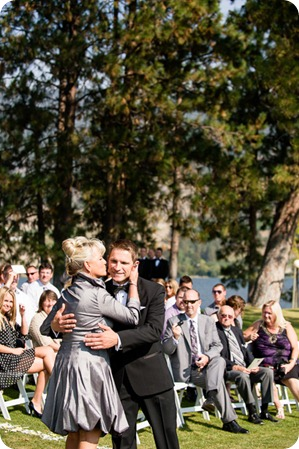 Kaleaden-rustic-elegant-wedding_Ponderosa-Point_Skaha-lake46_by-Kevin-Trowbridge