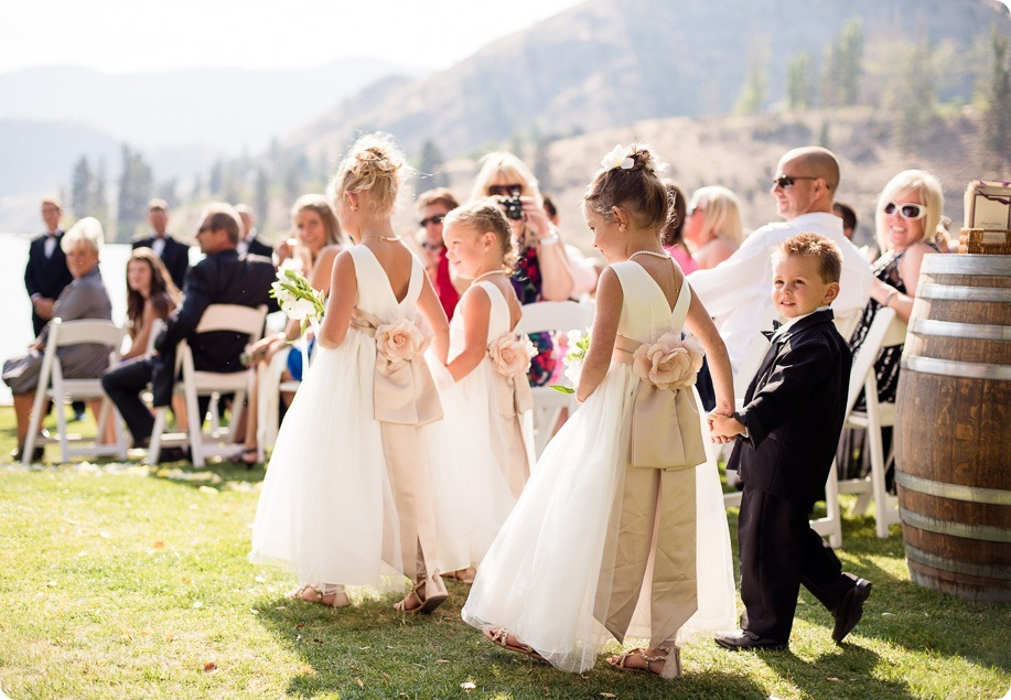 Kaleaden-rustic-elegant-wedding_Ponderosa-Point_Skaha-lake48_by-Kevin-Trowbridge