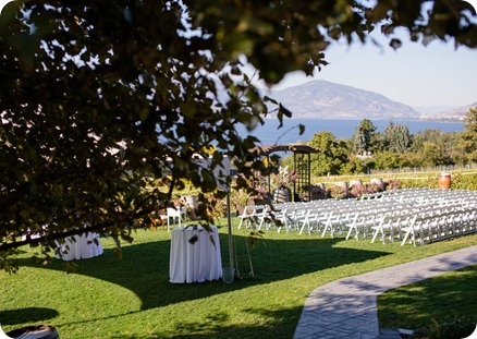 Kelowna-Summerhill-Winery-fall-wedding-vineyard-barn-pyramid-portraits35_by-Kevin-Trowbridge