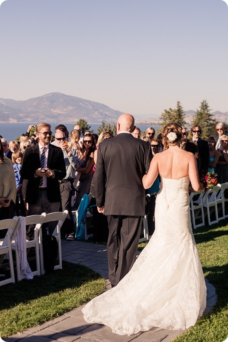 Kelowna-Summerhill-Winery-fall-wedding-vineyard-barn-pyramid-portraits46_by-Kevin-Trowbridge