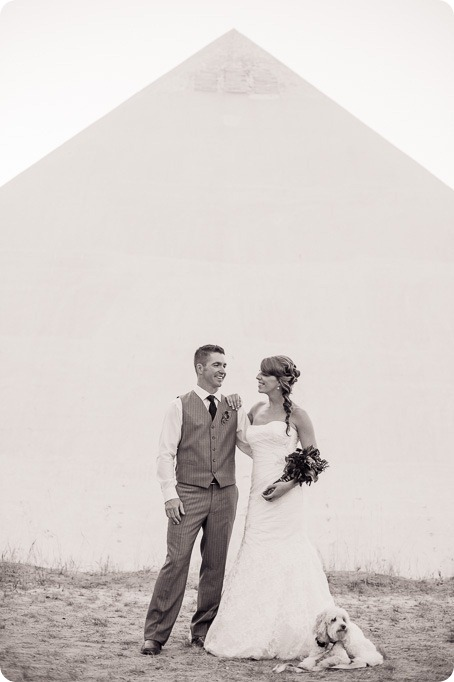 Kelowna-Summerhill-Winery-fall-wedding-vineyard-barn-pyramid-portraits61_by-Kevin-Trowbridge