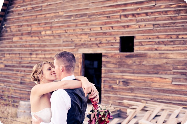 Kelowna-Summerhill-Winery-fall-wedding-vineyard-barn-pyramid-portraits71_by-Kevin-Trowbridge