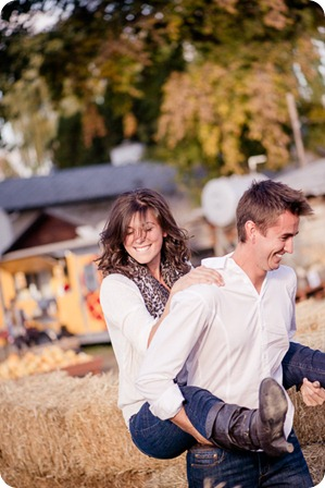 Kelowna-fall-autumn-farm-engagement-session-with-horses_2843_by-Kevin-Trowbridge