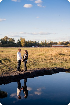 Kelowna-fall-autumn-farm-engagement-session-with-horses_3379_by-Kevin-Trowbridge