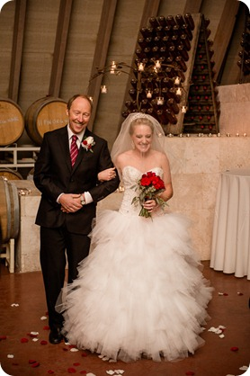 wedding-photography-Summerhill-Winery-Kelowna-winter-Pyramid_143837_by-Kevin-Trowbridge