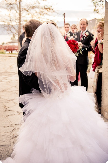 wedding-photography-Summerhill-Winery-Kelowna-winter-Pyramid_145721_by-Kevin-Trowbridge