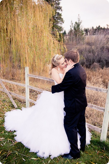 wedding-photography-Summerhill-Winery-Kelowna-winter-Pyramid_154745_by-Kevin-Trowbridge