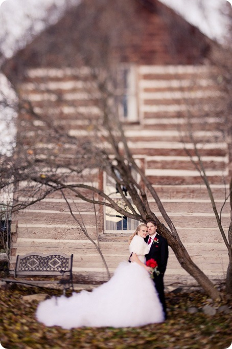 wedding-photography-Summerhill-Winery-Kelowna-winter-Pyramid_155805_by-Kevin-Trowbridge