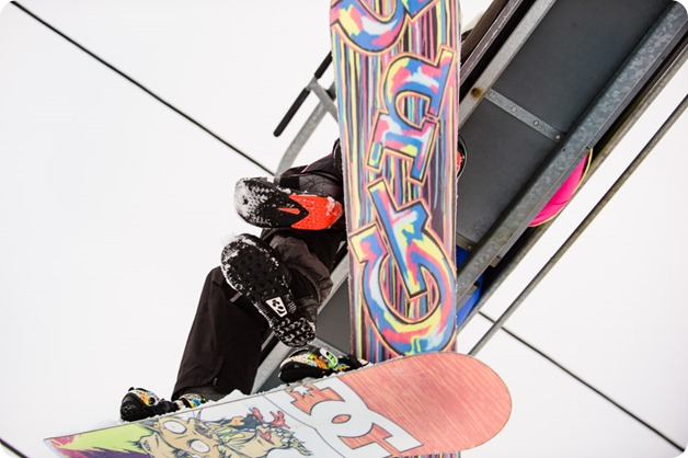 Big-White_snowboard-engagement-session_snowghost-portraits_59_by-Kevin-Trowbridge