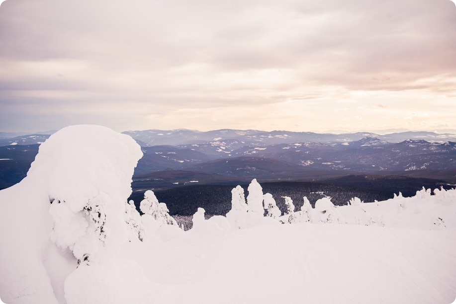 Big-White_snowboard-engagement-session_snowghost-portraits_61_by-Kevin-Trowbridge