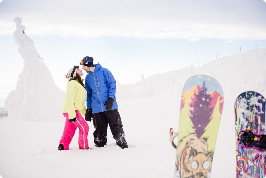 Big-White_snowboard-engagement-session_snowghost-portraits_90_by-Kevin-Trowbridge