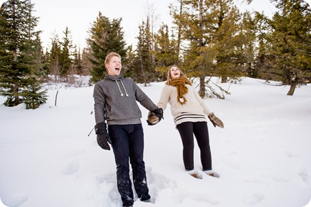 Crystal-Mountain_Kelowna-engagement-session_snowshoeing-smores_117_by-Kevin-Trowbridge