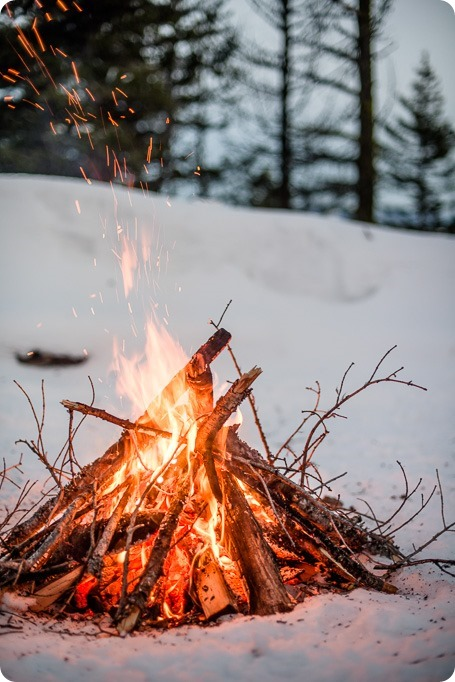 Crystal-Mountain_Kelowna-engagement-session_snowshoeing-smores_128_by-Kevin-Trowbridge