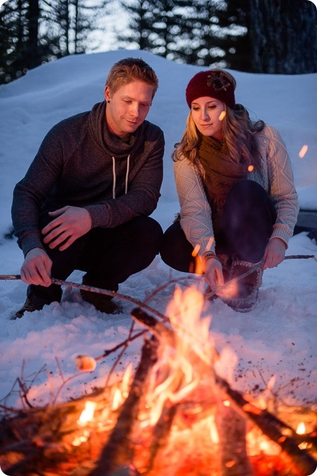 Crystal-Mountain_Kelowna-engagement-session_snowshoeing-smores_136_by-Kevin-Trowbridge
