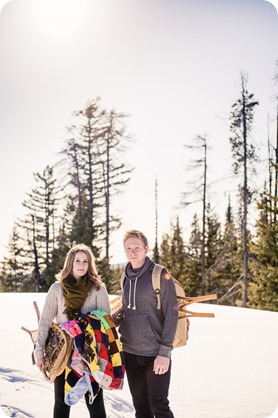 Crystal-Mountain_Kelowna-engagement-session_snowshoeing-smores_20_by-Kevin-Trowbridge