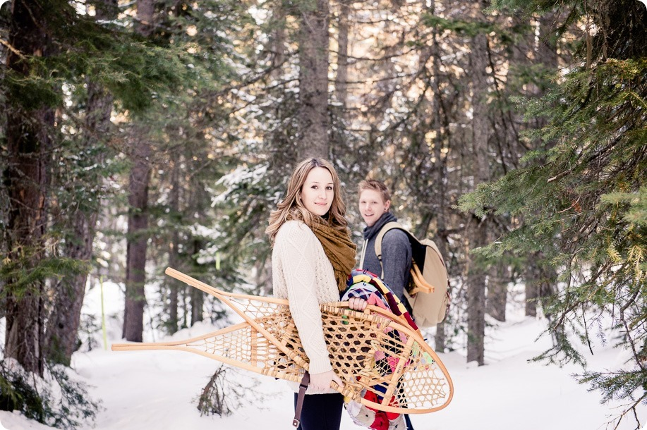 Crystal-Mountain_Kelowna-engagement-session_snowshoeing-smores_32_by-Kevin-Trowbridge