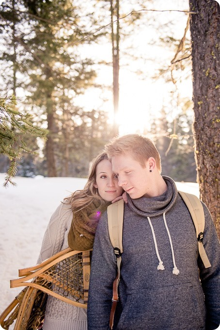 Crystal-Mountain_Kelowna-engagement-session_snowshoeing-smores_40_by-Kevin-Trowbridge