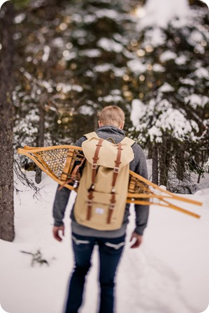 Crystal-Mountain_Kelowna-engagement-session_snowshoeing-smores_65_by-Kevin-Trowbridge