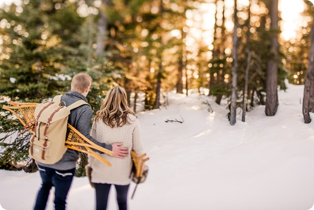 Crystal-Mountain_Kelowna-engagement-session_snowshoeing-smores_70_by-Kevin-Trowbridge