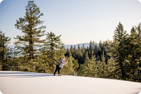 Crystal-Mountain_Kelowna-engagement-session_snowshoeing-smores_76_by-Kevin-Trowbridge