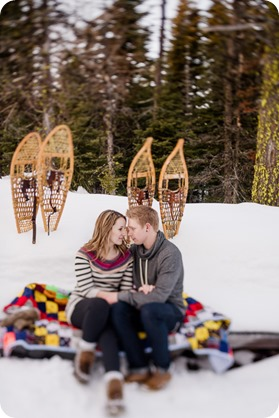 Crystal-Mountain_Kelowna-engagement-session_snowshoeing-smores_98_by-Kevin-Trowbridge