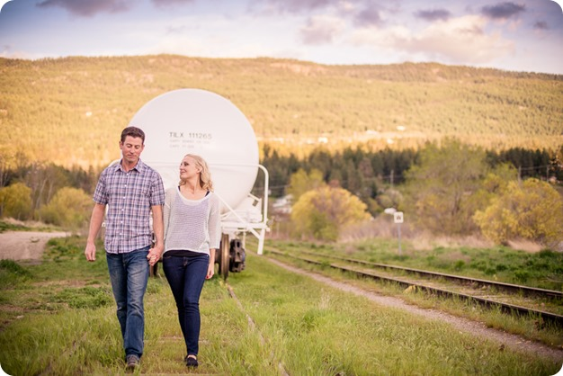 convertible-Cadillac_engagement-portraits_travel-cherry-orchard_Okanagan_100_by-Kevin-Trowbridge