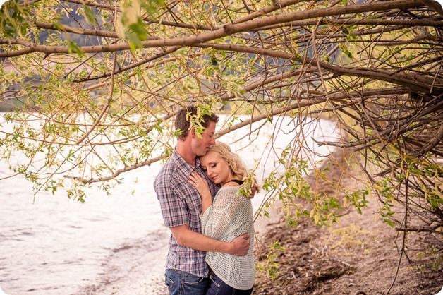 convertible-Cadillac_engagement-portraits_travel-cherry-orchard_Okanagan_114_by-Kevin-Trowbridge