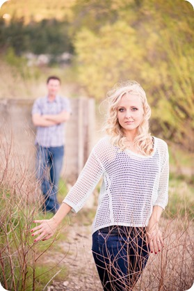 convertible-Cadillac_engagement-portraits_travel-cherry-orchard_Okanagan_115_by-Kevin-Trowbridge