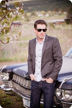convertible-Cadillac_engagement-portraits_travel-cherry-orchard_Okanagan_28_by-Kevin-Trowbridge