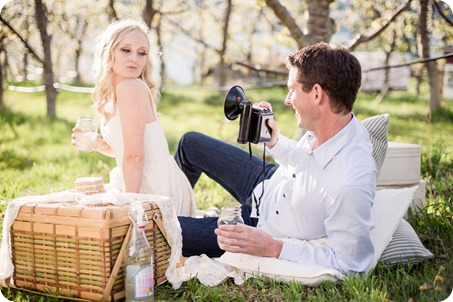convertible-Cadillac_engagement-portraits_travel-cherry-orchard_Okanagan_67_by-Kevin-Trowbridge