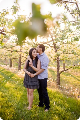tandem-bike_engagement-portraits_apple-orchard_Kelowna_108_by-Kevin-Trowbridge