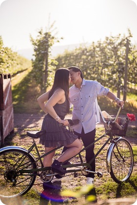 tandem-bike_engagement-portraits_apple-orchard_Kelowna_38_by-Kevin-Trowbridge