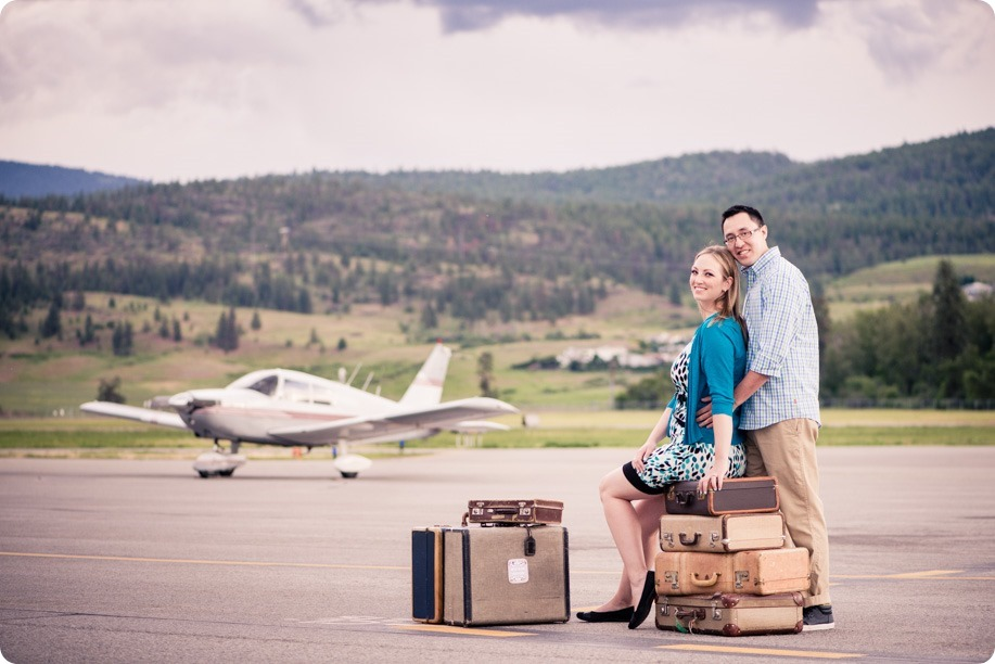 Kelowna-airport-engagement-session_airplane-portraits_04_by-Kevin-Trowbridge