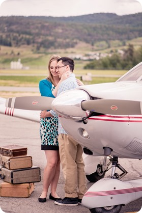 Kelowna-airport-engagement-session_airplane-portraits_34_by-Kevin-Trowbridge