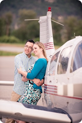 Kelowna-airport-engagement-session_airplane-portraits_62_by-Kevin-Trowbridge