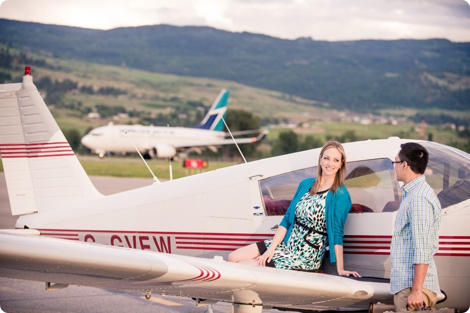 Kelowna-airport-engagement-session_airplane-portraits_63_by-Kevin-Trowbridge
