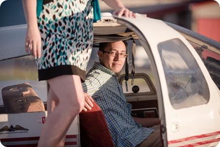 Kelowna-airport-engagement-session_airplane-portraits_80_by-Kevin-Trowbridge
