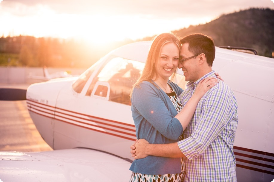 Kelowna-airport-engagement-session_airplane-portraits_91_by-Kevin-Trowbridge