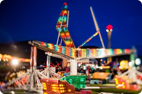 Kelowna-carnival-engagement-session_amusement-park-portraits166_by-Kevin-Trowbridge