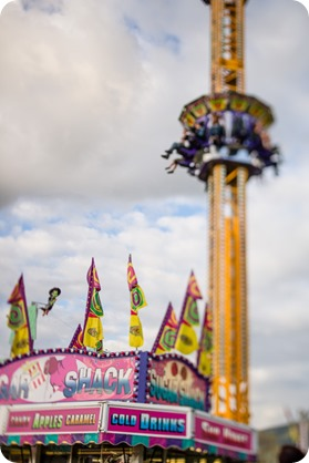 Kelowna-carnival-engagement-session_amusement-park-portraits40_by-Kevin-Trowbridge