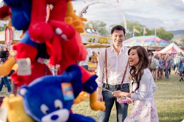 Kelowna-carnival-engagement-session_amusement-park-portraits44_by-Kevin-Trowbridge