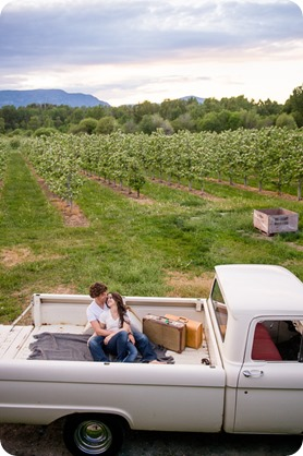 Kelowna-vintage-truck-engagement-session_heritage-orchard-photos113_by-Kevin-Trowbridge