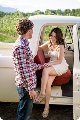 Kelowna-vintage-truck-engagement-session_heritage-orchard-photos19_by-Kevin-Trowbridge