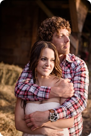 Kelowna-vintage-truck-engagement-session_heritage-orchard-photos84_by-Kevin-Trowbridge