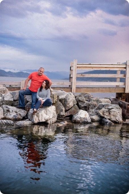 Okanagan-Centre-engagement-session_vineyard-lake-portraits_109_by-Kevin-Trowbridge