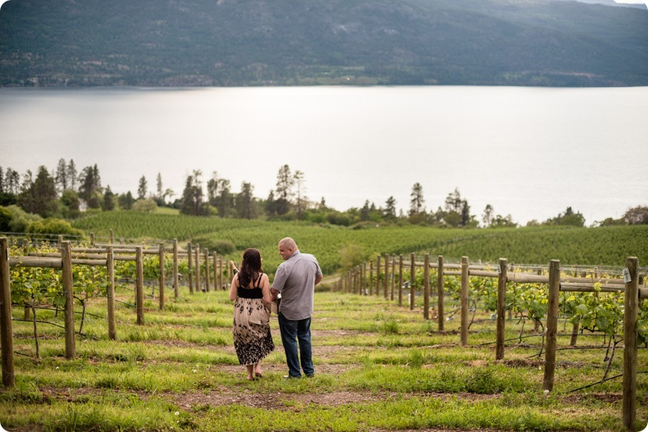 Okanagan-Centre-engagement-session_vineyard-lake-portraits_10_by-Kevin-Trowbridge